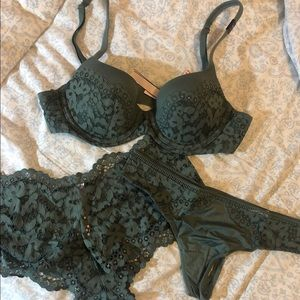 victoria secret Bra And Panty Bundle